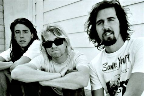 Kurt Cobain Envied Dave Grohl's Voice, Says Nirvana Manager