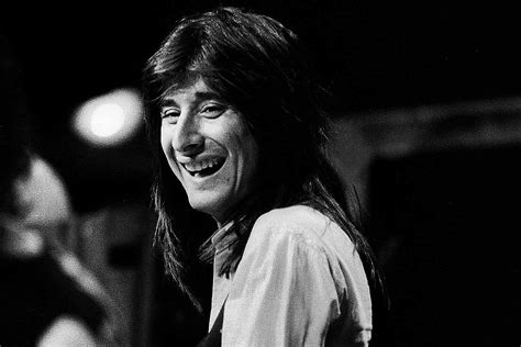 How a Last-Minute Steve Perry Edit Changed 'Lights' Forever