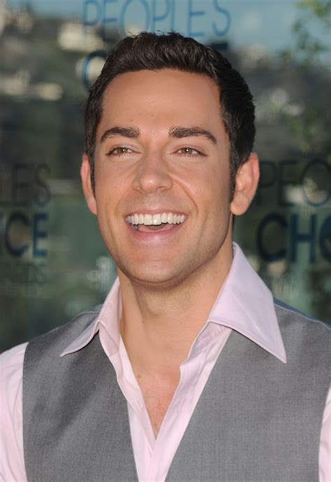 Ex-'Chuck' Star Zachary Levi Takes The Long Way To