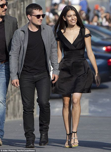 Is Hunger Games actor Josh Hutcherson Dating someone? Has